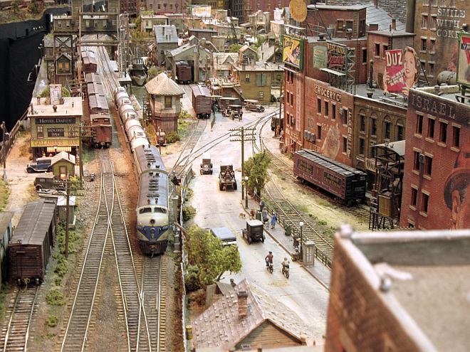 George Sellios' Franklin and South Manchester model railroad is truly a work of art, photo railroad-line.com