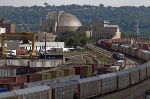 The container terminal near Queens Gate yard in Cincinnati, photo Photobucket.com
