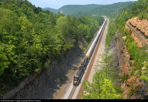 "A former ""Rat Hole"" tunnel now daylighted outside of Keno, KY, this must have  been a massive earth moving effort, Photo Railpictures.net Ron Flanary"