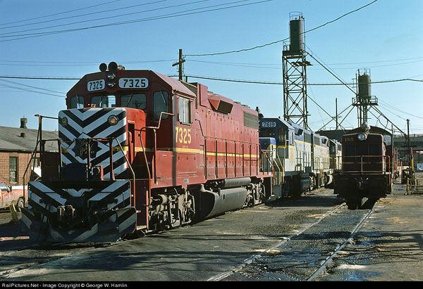 D&H Apollo power at Oak Island Photo from RailPictures.net by George W. Hamlin