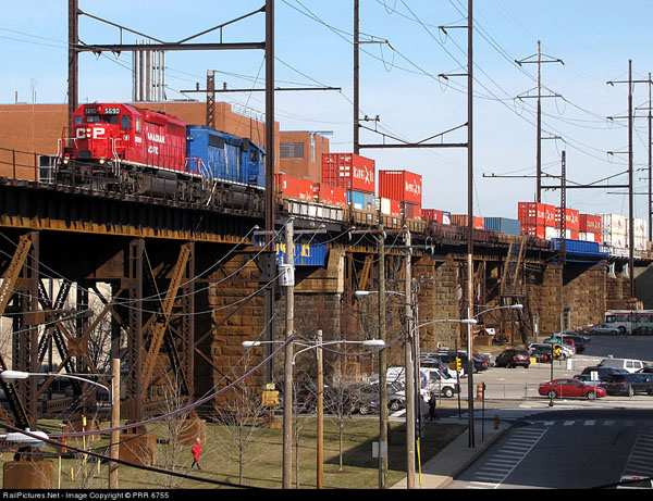 CP/D&H on the former PRR High Line in Philadelphia, PA.  PRR 6755 RailPictures.net photo.
