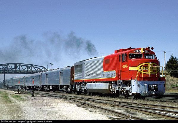 GE U-30cg appears here in the famous Santa Fe Warbonnet paint scheme, with the rounded nose and fluted side panels. photo James Humbert, RailPictures.net