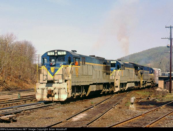 """D&H leaving Allentown, PA """"Consolidated Yards,"""" photo by Brian Woodruff from Railpictures.net"""