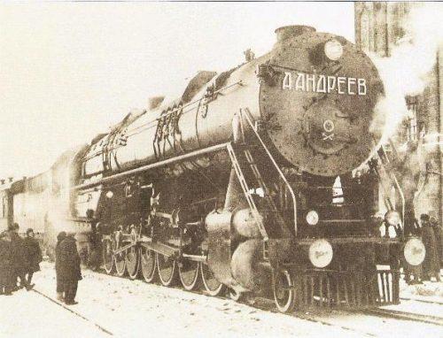 UP 9000USSR 4-14-4 steam locomotive the largest non-articulate ever built.  Photo www.parovoz.com/gallery/UN/landreev.jpg