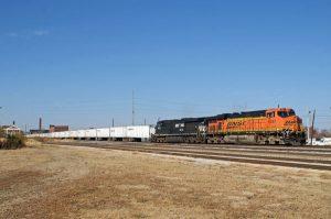 A NS/BNSF Roadrailer, photo Doug Wolf
