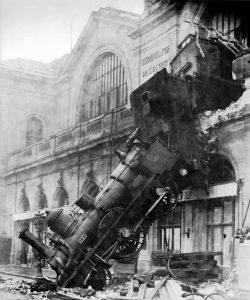 1895 train crash at Monteparnasse photo from wikipedia.org