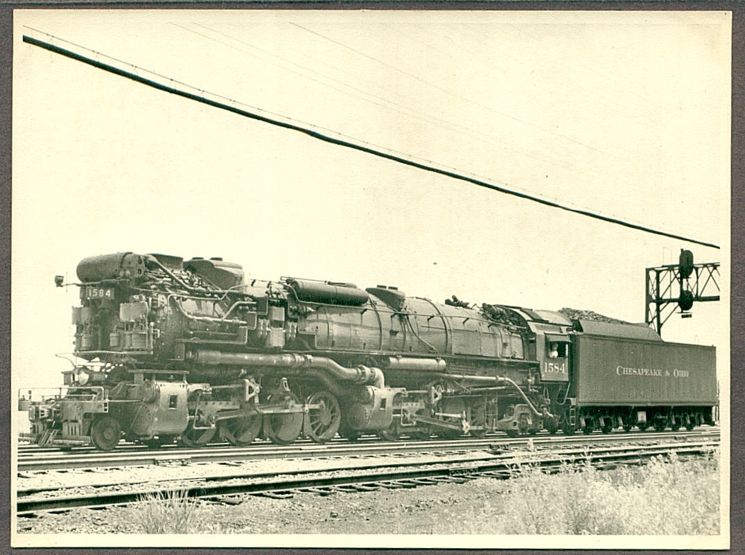 Take away the Elesco Feedwater Heater and you got how the RF&P yard loco looked. That's one big locomotive just for shoving cars up the hump. Photo, Atlas Forum