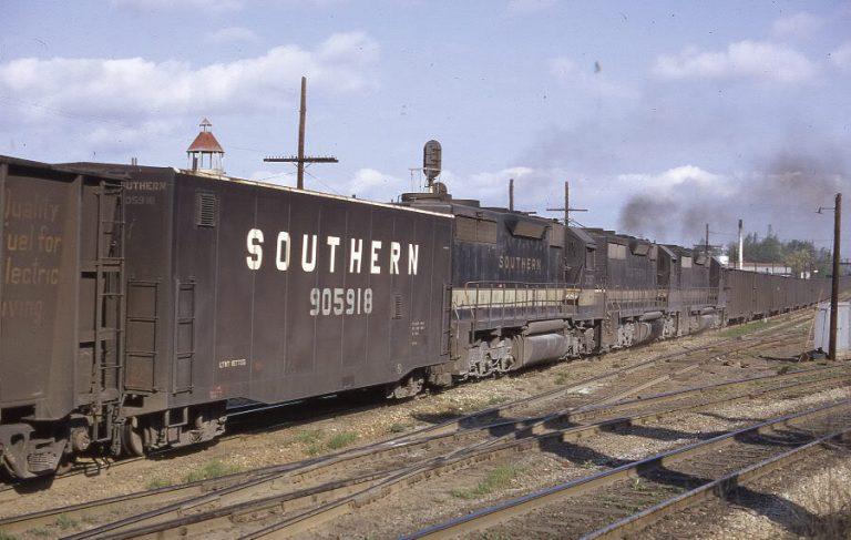 A Southern Unit Coal Train with mid-train slave locomotives and Radio Control car 905918 Photo Atlas Forum